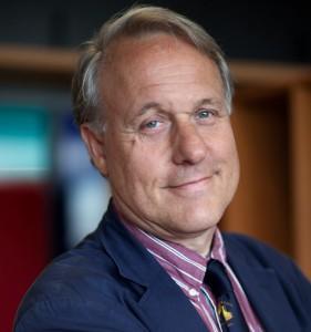 Een foto van hoogleraar Bert van der Spek voor bij een rubriek in de PP